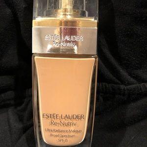 Estée Lauder Re-Nutriv ultra radiance make up